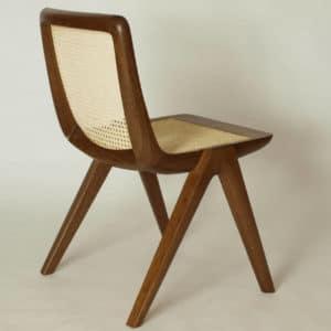 Stuhl aus massivholz mit wiener geflecht
