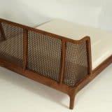 Bett aus Massiv - Holz und Rattan