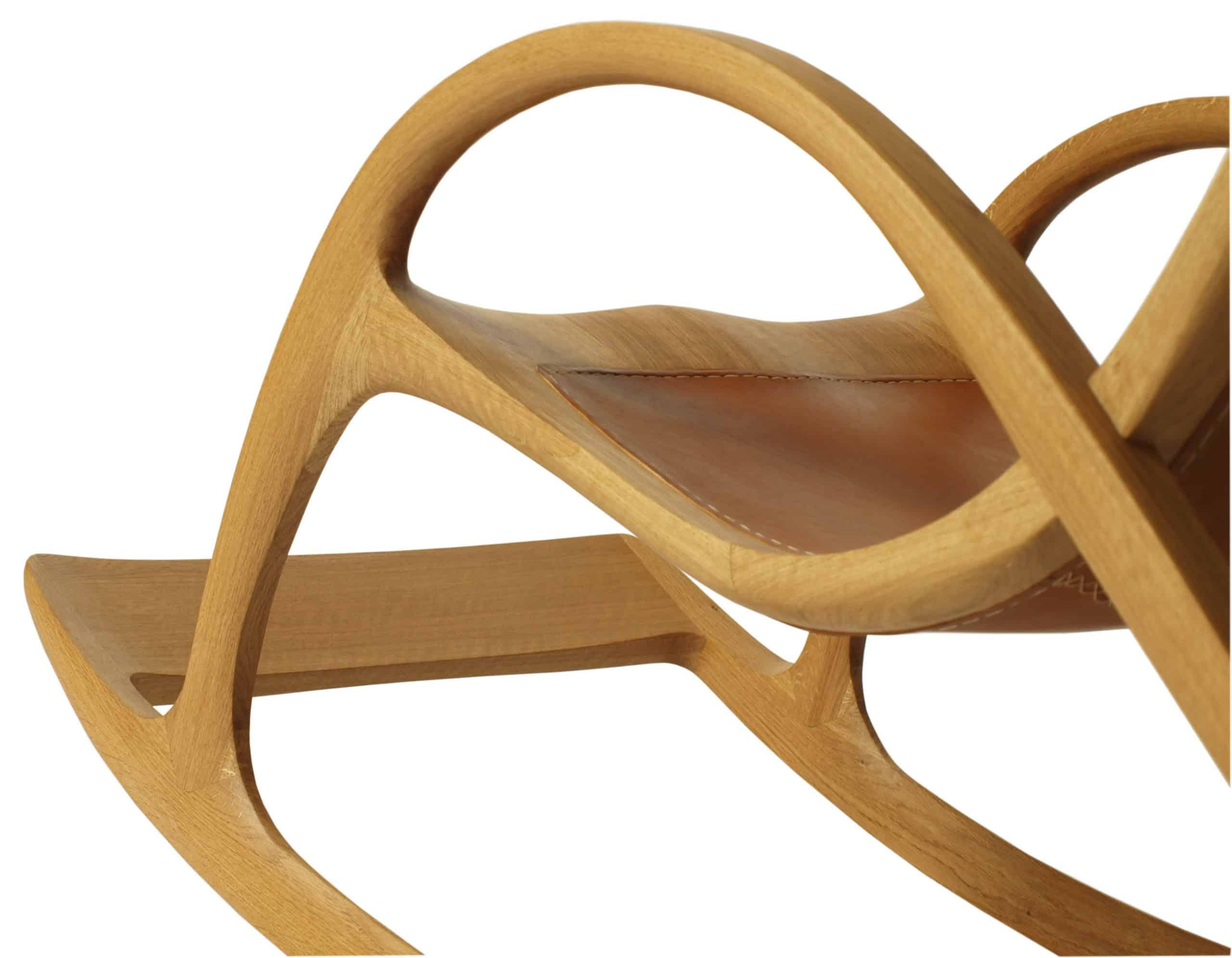 Schaukelstuhl mit Fußablage aus Holz und Leder