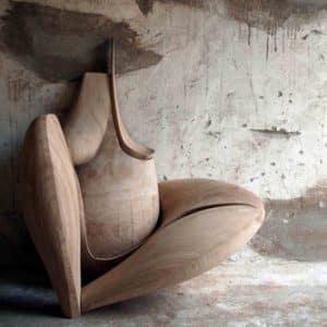 Skulptur aus Holz, Eiche geschliffen, naturbelassen