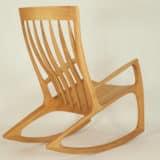 Schaukelstuhl Nr. 3 aus Holz, ergonomisch geformte Rückenlehne