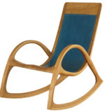 Schaukelstuhl aus Eiche Massiv - Holz und blauem Leder