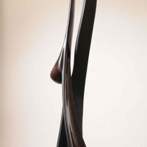 Skulptur aus Massiv - Holz Birke, lackiert und gebeizt